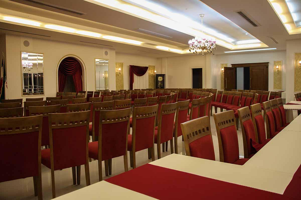 تالار داخلی هتل سپهر