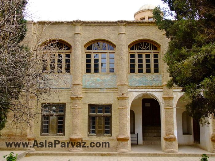 عمارت تاريخي رحيم آباد
